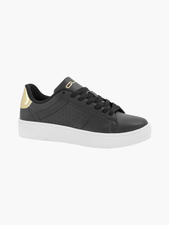 Zwarte sneaker perforatie