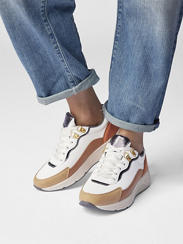 Off white chunky sneaker