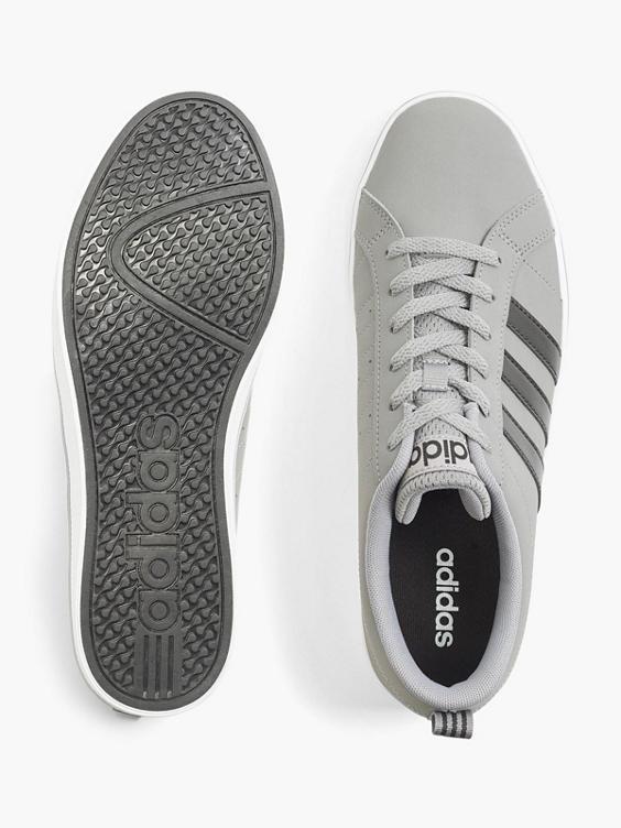 Sneaker VS PACE