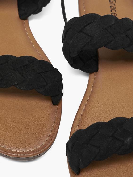 Zwarte sandaal gevlochten