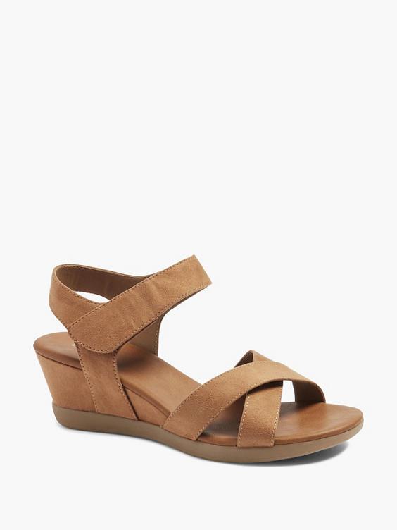 Bruine sandalette sleehak